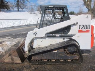 Bobcat T200 Compact Track Loader Skid Steer 2400hrs (tags 864 T180 T190 T300) photo