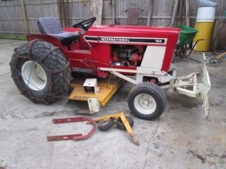 International 184 Tractor/mower photo