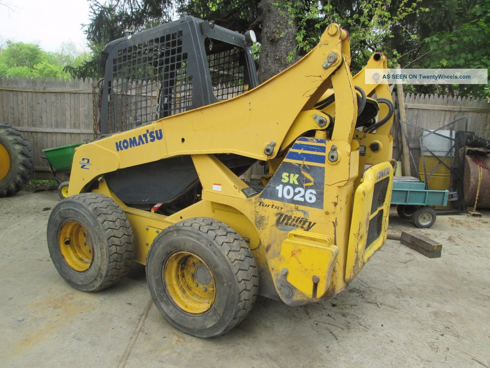 Komatsu Skid Steer Sk 1026 Skid Steer Loaders photo