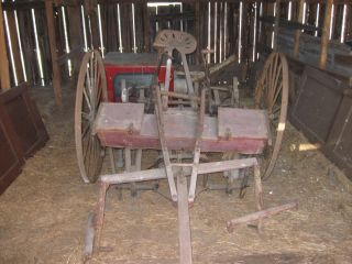 American Harrow Cultivator - Seeder photo