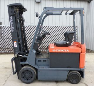 Toyota Model 7fbcu30 (2006) 6000lbs Capacity Great 4 Wheel Electric Forklift photo
