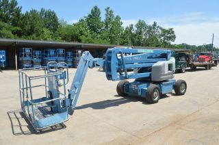 45 ' Electric Knuckle Boom Lift photo