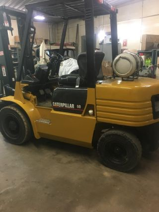 Caterpillar Pneumatic Gp30 6000lb Forklift Cat 60 Fork Lift 6000 Lb Forklift photo