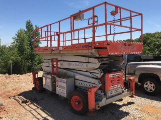2000 Skyjacker Scissor Lift Good Machine photo
