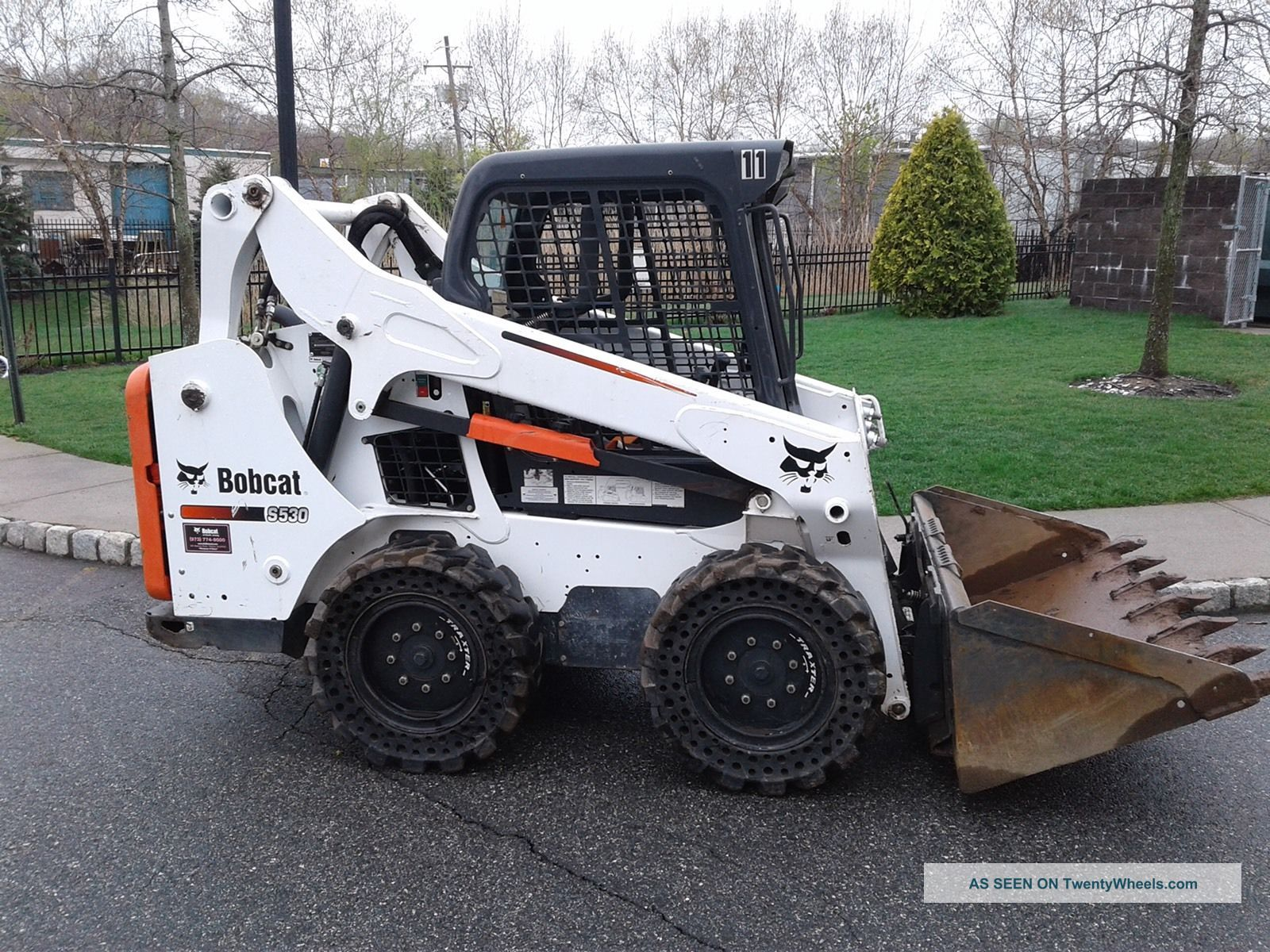 Bobcat S530 Skidsteer 2015 Skid Steer Loaders photo