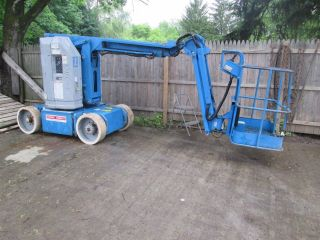 Genie Z3020n Man Lift photo