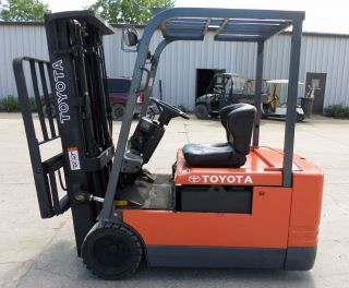 Toyota Model 5fbe20 (1997) 4000lbs Capacity Great 3 Wheel Electric Forklift photo