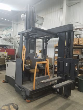 Crown Tsp 6000 - 30 Tn/tf Forklift Turret Stockpicker Pallet photo