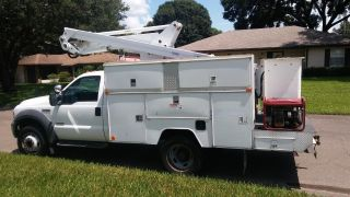 Bucket Truck 2005 F450 Duty photo
