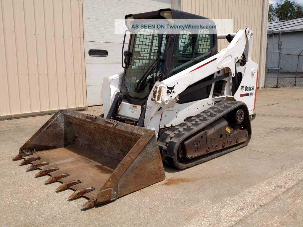 2014 Bobcat T590 Cab/heat/ac,  Radio,  Power Bobtach,  66hp Skid Steer Loaders photo