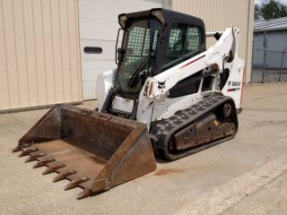 2014 Bobcat T590 Cab/heat/ac,  Radio,  Power Bobtach,  66hp photo