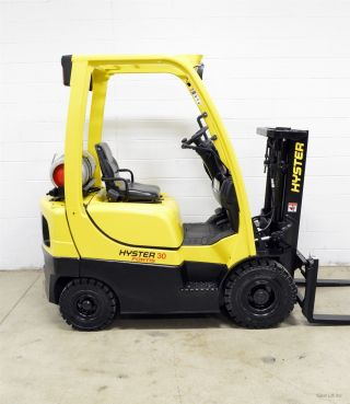 2011 Hyster H30ft 3000 Lb Lpg Pneumatic Forklift 3,  000 Lb Air Tires Side Shift photo