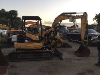 2004 Caterpillar Cat 304cr Mini Excavator Only 2557 Hours photo