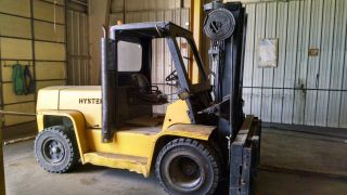 Hyster 13,  100 Pound Capacity Forklift photo