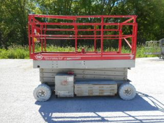 Mec 2548ht Scissorlift Aerial Lift Platform Lift 31 ' Work Height photo