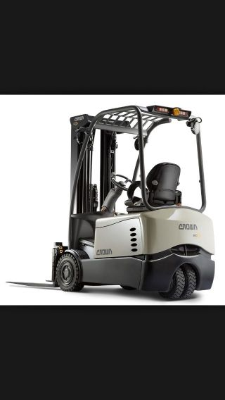 Crown Forklift photo