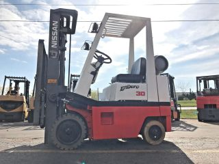 Nissan Cushion Cph01a15v 3000lb Forklift Lift Truck photo