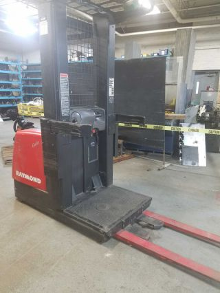 Raymond Electric Forklift photo