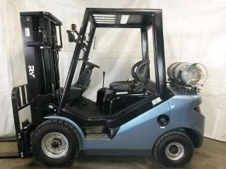 2017 Royal Ry Forklift 5000 Lb Capacity 3 Stage Mast Sideshifter 2 Year photo