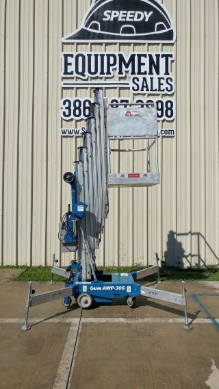 Genie 30 ' Ft Vertical Man Lift Other Lifting photo