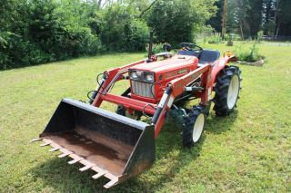 Vintage Tractor Yanmar 1610 Model 1970 - 1971 Tractor And Front Loader Red 833 Hrs photo