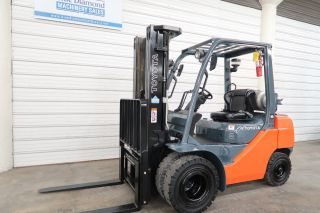 2013 Toyota 8fgu25,  5,  000 Forklift,  Lp Gas,  Dual Wheels,  Triple,  Sideshift photo