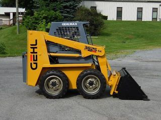 1997 Gehl 3825sx Rubber Tire Skid Steer Loader photo