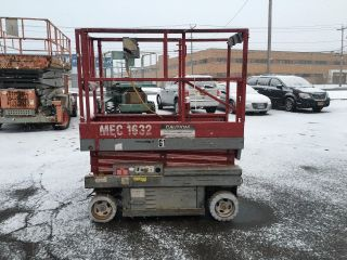2001 Mec 1632 Scissorlift 16 ' Deck Hgt,  22 ' Work Hgt,  Fully Operational Hd photo
