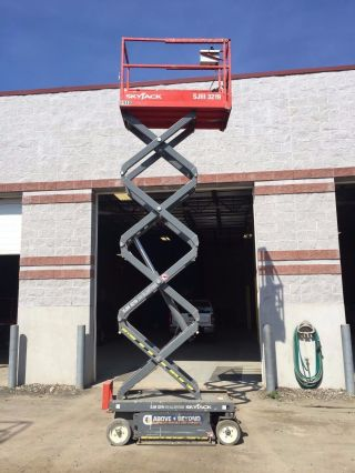 Skyjack 3219 Electric 19 ' Scissor Lift photo