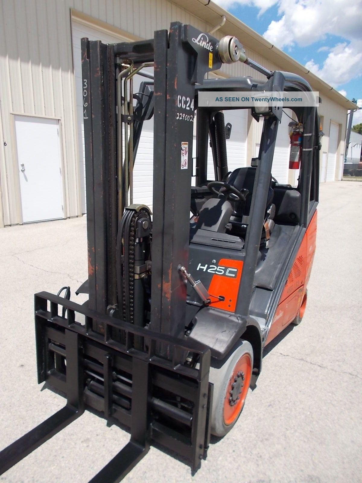 2007 Linde H25t Forklift Lpg 3 Stage Mast Lift Truck Tow