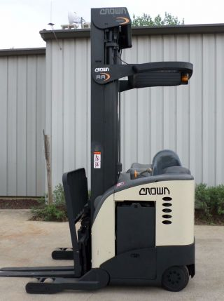 Crown Model Rr5020 - 35 (1999) 3500 Lbs Capacity Great Reach Electric Forklift photo