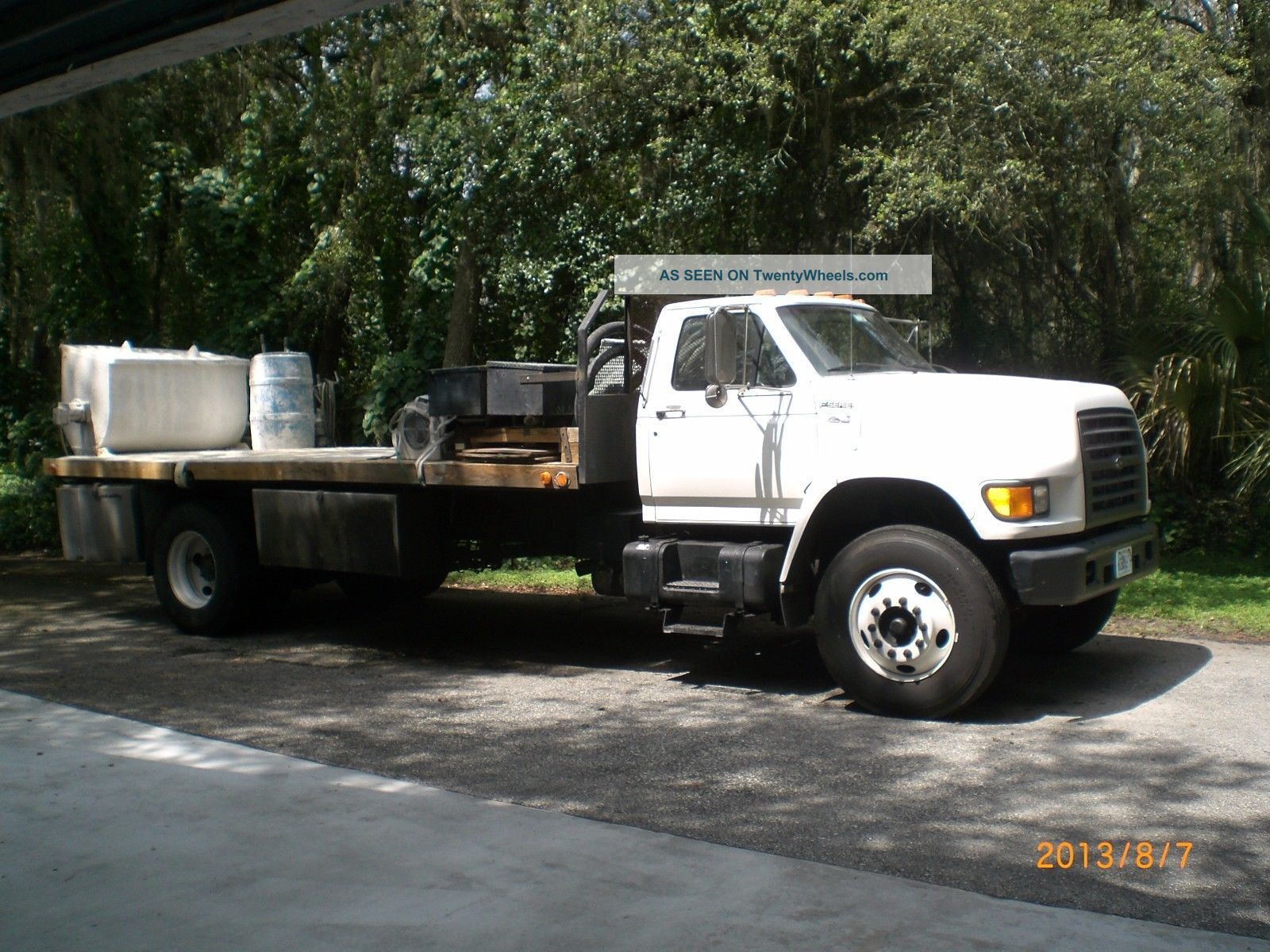 Ford F - 800 Cummins Diesel 5.  9 (1) Owner 117.  000 Miles.  Cement Mixer & Pump. Other Heavy Equipment photo