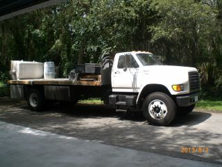 Ford F - 800 Cummins Diesel 5.  9 (1) Owner 117.  000 Miles.  Cement Mixer & Pump. photo