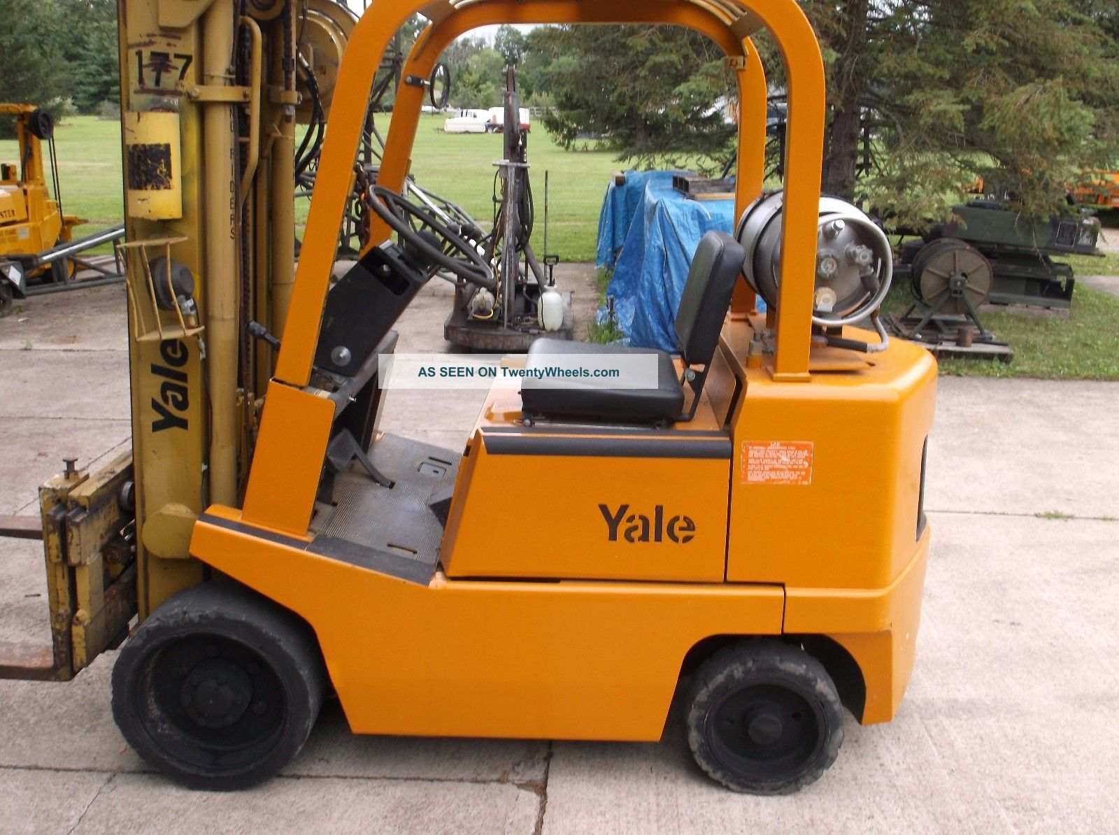 Yale Cushion Tire 4000 Lb.  Propane Forklift Forklifts photo