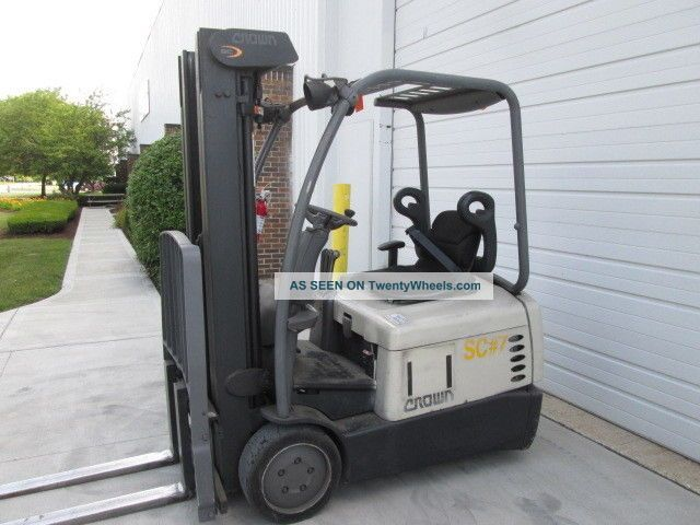 2002 Crown Sc4020 - 30.  36 Volt Electric Forklift.  190