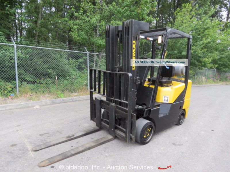 Daewoo Gc30s - 3 6k Industrial Lpg Warehouse Forklift Lift Truck 3 - Stage Mast Forklifts photo