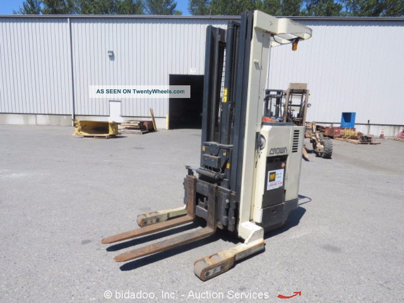 Crown 35rrtt 3,  500 Lbs Industrial Warehouse Electric Forklift Stacker Bidadoo Forklifts photo
