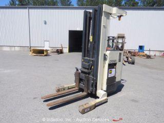Crown 35rrtt 3,  500 Lbs Industrial Warehouse Electric Forklift Stacker Bidadoo photo