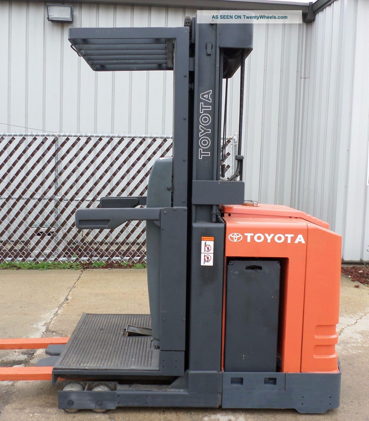 Toyota Model 6bpu15 (2005) 3000 Lbs Capacity Order Picker Electric Forklift Forklifts photo