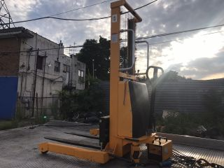 2014 Forklift photo