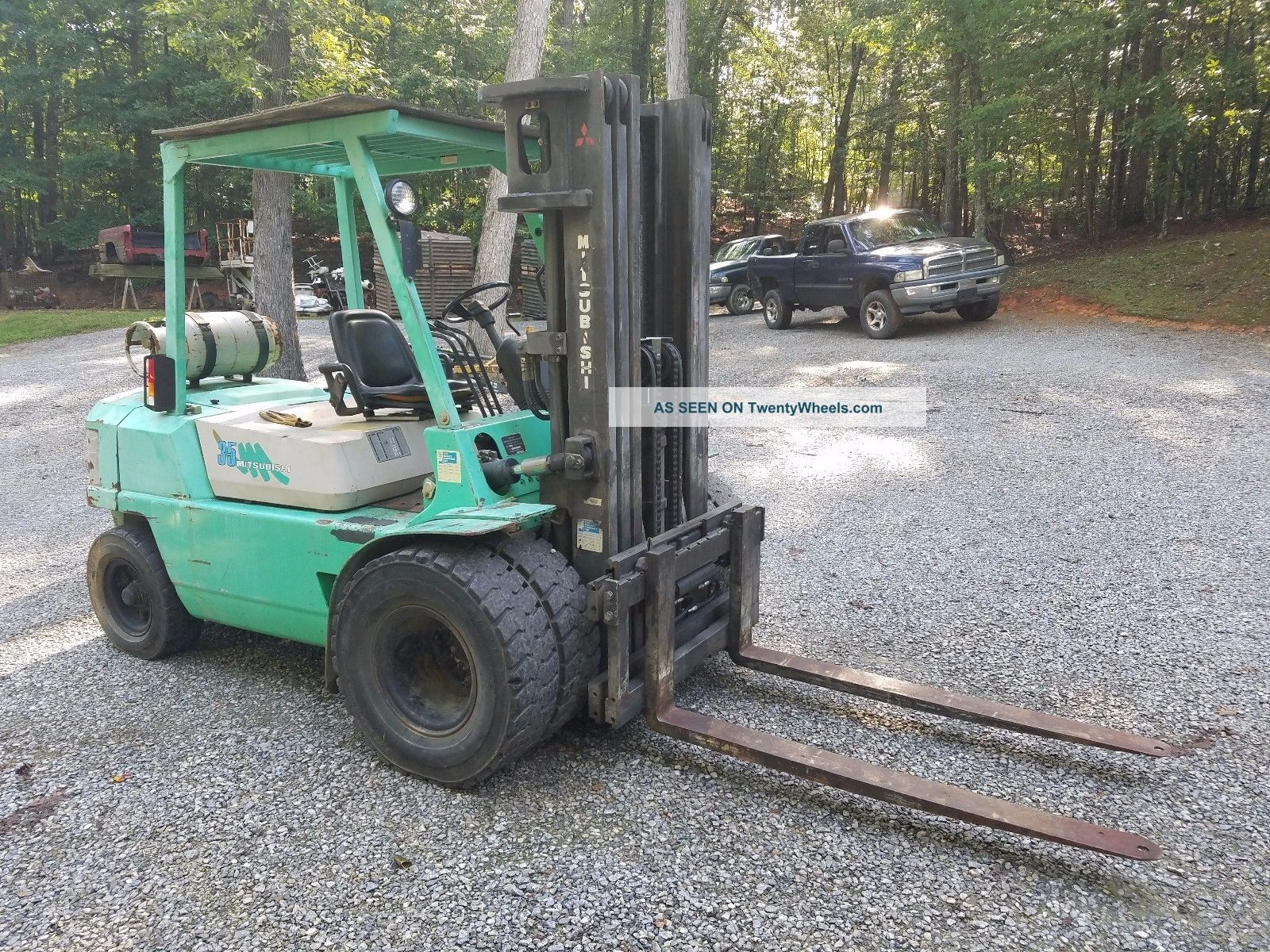 ' 97 Mitsubishi Fg - 35 8000 Lb Cap 3 - Stage Forklift W/ Pneumatic Tires: Forklifts photo
