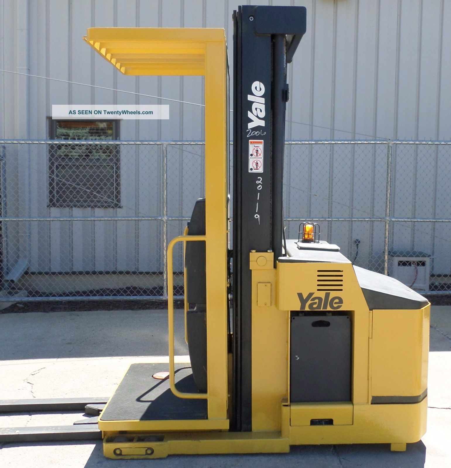 Yale Model Oso30ecn (2006) 3000 Lbs Capacity Order Picker Electric Forklift Forklifts photo