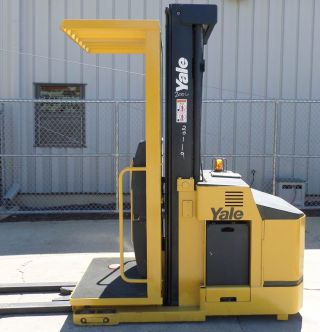 Yale Model Oso30ecn (2006) 3000 Lbs Capacity Order Picker Electric Forklift photo