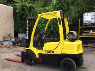 2011 Hyster 5000 Lb Pneumatic Forklift With Sideshift Triple Mast Rental Specs photo