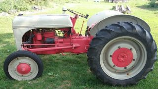 Ford 8n Tractor Runs,  Condition photo